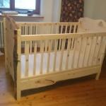 Babybett aus Zirbenholz